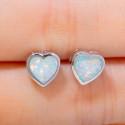 Серебряные серьги Сердце с белыми опалами