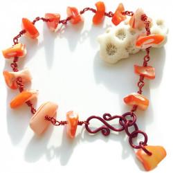 Женский медный браслет с ракушками
