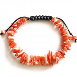 Плетеный браслет из ракушек