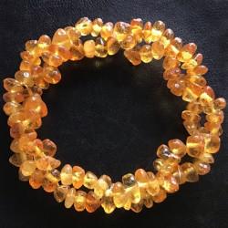Эластичный браслет из янтаря