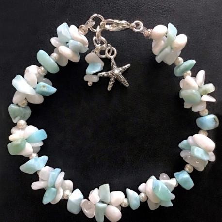 Морской браслет из ларимаров и лунного камня