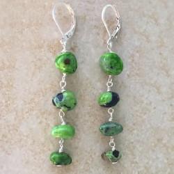 Зеленая яшма серьги с камнями