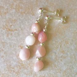 Серьги с розовым опалом пусеты с камнями