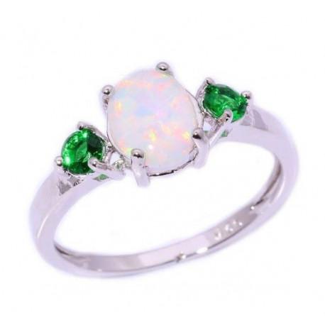 Кольцо с белым опалом 9 мм и зеленым кварцем в серебре