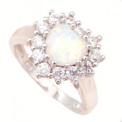 Кольцо Сердце из серебра с белым опалом 8 мм и цирконами
